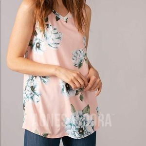 Essential Tank V-Neck Peach/Blue Floral